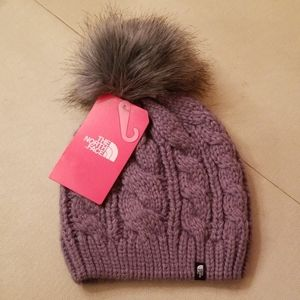 NWT North Face Cable knit pom hat